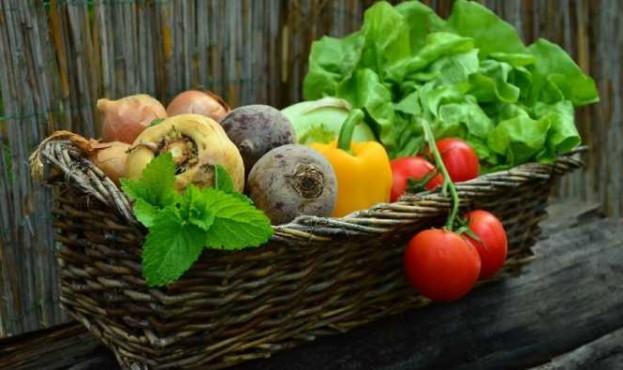 1585643261_vegetables-752153_19201