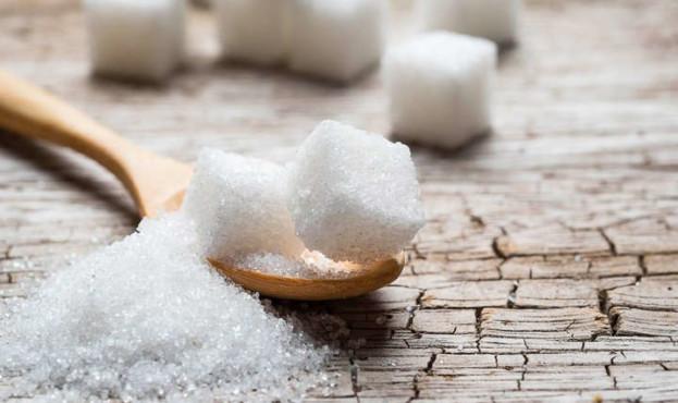 Українські цукрові заводи призупинили продаж цукру