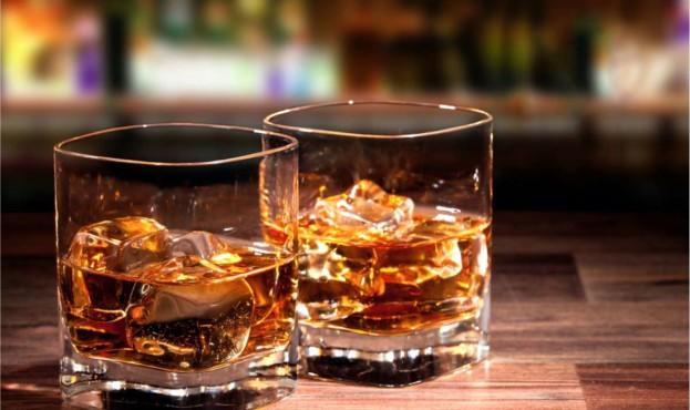 Viski-v-bokalah