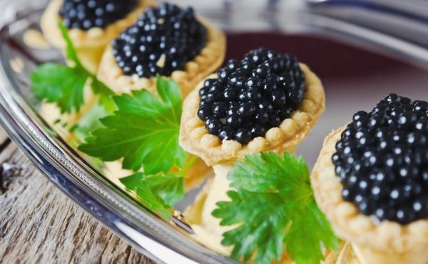 depositphotos_43701941-stock-photo-cake-with-black-caviar-and