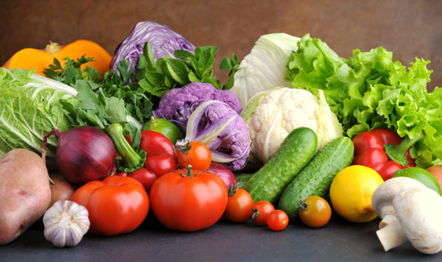 Vegetables_Cucumbers_Tomatoes_Garlic_Onion_543915_1280x850