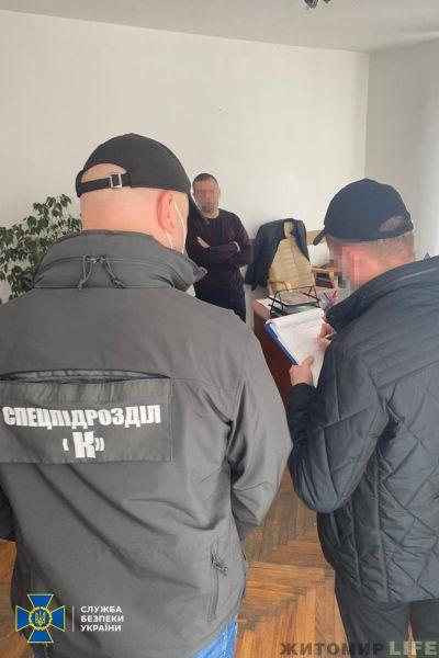 Поліціянти вимагали від фермерів пальне в обмін на безперешкодну роботу