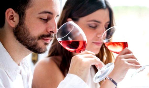 depositphotos_68672715-stock-photo-couple-at-wine-tasting