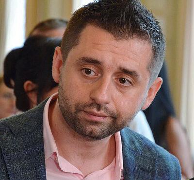 david-arakhamiya-square_medium