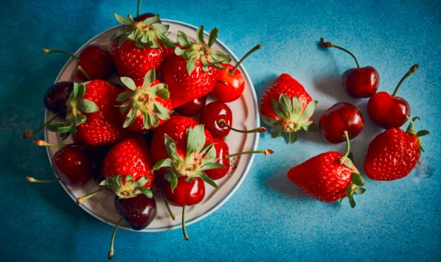 strawberries-and-cherries_5eda38d48d381