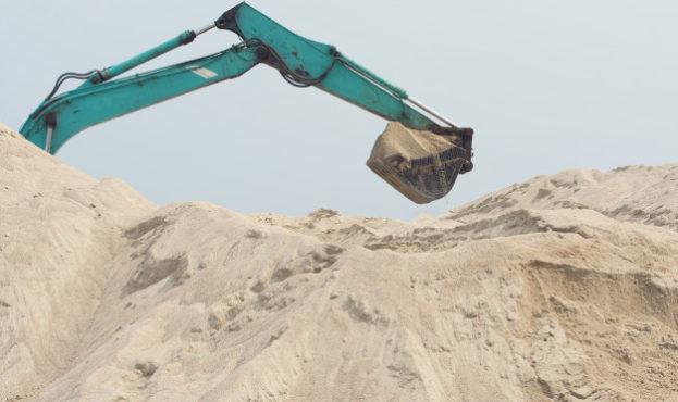 excavator-is-digging-sand_160901-188